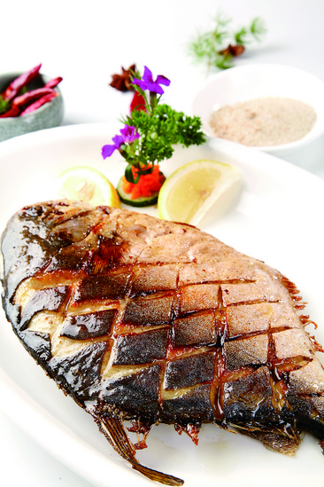 香煎图片鲳鱼排骨大型糖醋刀轧骨刀图片